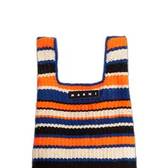Watering Plants, Knit Basket, Beaded Bags, Handmade Bags, Marni, Diy Clothes, Clutches, Knit Crochet, Vogue