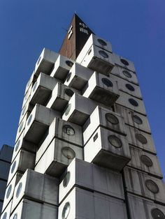 中銀カプセルタワービル Nakagin capsule tower building Tokyo  City and architecture photo by dive_down9323 http://rarme.com/?F9gZi