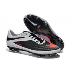 Le dessus de chaussure en NikeSkin utilisé pour la Nike HyperVenom Phantom est souple et flexible fournissant légèreté, superbe ajustement et une sensation près du pied. - 96.0000