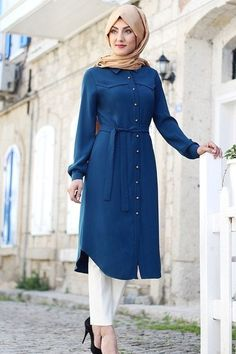 Stunning Button Front Tunic Outfit Ideas for Hijabies – Girls Hijab Style & Hijab Fashion Ideas Hijab Fashion Summer, Modest Fashion Hijab, Hijab Chic, Abaya Fashion, Fashion Outfits, Fashion Muslimah, Islamic Fashion, Muslim Fashion, Mode Abaya