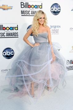 Carrie Underwood in Oscar de la Renta at the 2012 Billboard Music Awards. Whoa, that's a statement dress.