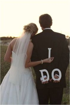 Cute photo idea of the bride and groom. cute as thank you card?