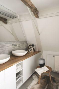 Aménager et embellir une petite salle de bain : tous les conseils hyper stylés et design ! #aufeminin #déco #décoration #deco #decoration #salledebain #salledeau #petitesalledebain #design #interieur #interior #interiors #DIY #conseils #astuces #bois