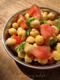 Recepty z Indie II. Chickpea Salad, Cooking Recipes, Cookbook Recipes, Fruit Salad, Indie, Food, Drink, Garbanzo Salad, Cooker Recipes