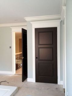 Nice 40+ Marvelous White Trim With Stained Door Ideas https://freshouz.com/40-marvelous-white-trim-with-stained-door-ideas/