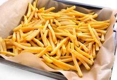 Recette Frites de patates douces et de pommes de terre au four : Plats d'accompagnement sur Coup de Pouce