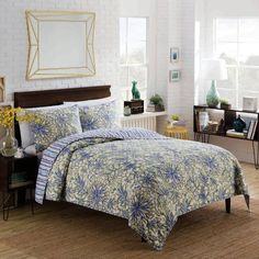 Product Image for Vue® Shaylee Reversible Quilt Set in Yellow 1 out of 2