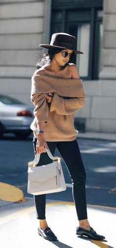 Off shoulder fall outfit
