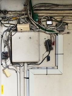 Wiring and electrical hub for the doorbells in a building in Nice, by Mrs. Easton