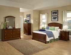 Impressions Cherry 4pc Bedroom Set W/Queen Panel Bed