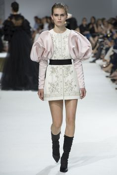Giambattista Valli Fall 2016 Couture Collection Photos - Vogue