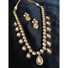 #indianwedding #bride #asianbride #india #jewellery #bridaljewellery #jewelry #indianwe #happiness #bridaldreams #bridalinspiration #embroidery #lehnga #wedding #templejewellery #mehndi #bridalmehndi #traditional #goldearring #fashionearring #marriage #beauty #bridestory #shaddi #bollywoodfashion #weddingjewelery #indianjewellery #kundanjewellery #kundan