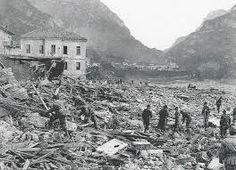 Risultati immagini per disastro del vajont