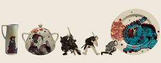 Godzilla /vajilla de porcelana intervenida con calcos vitrificables (autor Ana Gómez) y placas de cerámica de alta temperatura intervenidas con calcos votrificables / medidas variables / México 2013  Lo cual se puede apreciar en las piezas presentadas por los diversos artistas mexicanos y japoneses que participan en la muestra, entre ellos Ana Gómez, que interviene varias piezas cerámicas y crea con ellas escenas híbridas y complejas. Las cerámicas estampadas con imágenes de los ukiyo