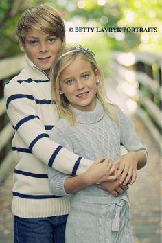 brother sister love | Betty Lavryk Portraits | kids, portraits, flowers , photo shoot ideas , Key West, family portraits
