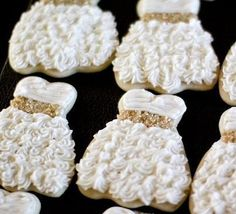 White and Gold Wedding Cookie Reception or Shower Favors. 15039_543525795670751_1360637219_n.jpg (403×367)