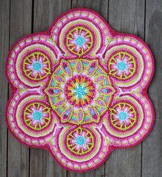 Crochet Overlay Mandala  No 3 Pattern PDF van CAROcreated op Etsy, €6.00
