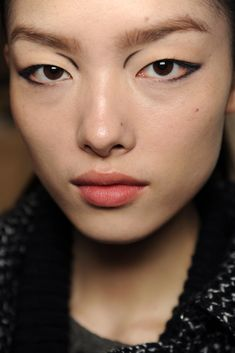 Make-Up, Fei Ei Sun. Louis Vuitton | Fall 2011 Ready-to-Wear Collection | Style.com