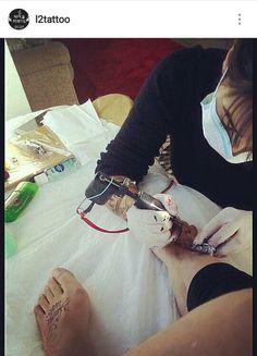 #tatuagem #tattooed #tattoo #tatuagens #l2tattoo #tattoobr #machinetattoo #tattoomachine #tatuagemfeminina #maquinatattoo #florianopolis #tattoofloripa #santacatarina #tattoosc #larissavargas #leandrocampos #tattoos #escritatattoo #tattooescrita #tatuagemmasculina #tradicional #tradicionaltattoo  #pontilhism #pontilhismo #oldschool
