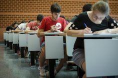 El próximo mes de junio se celebra la última Prueba de Acceso a la Universidad (PAU). La Ley Orgánica para la Mejora de la Calidad Educativa (Lomce) ha suprimido este examen, ponie