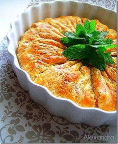 Όχι μια  συνηθισμένη λουκανικοτυρόπιτα…. Δοκιμάστε τη και θα δείτε τι  εννοώ…  Υλικά 1/2 δόση σπιτική σφολιάτα για τη γέμιση 250 γρ. φέτα 1... Turkish Recipes, Greek Recipes, Desert Recipes, Ethnic Recipes, Greek Cooking, Cooking Time, Cooking Recipes, Finger Food Appetizers, Finger Foods