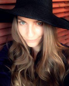 #hat #artphoto #portrait #msdoumpa  #black #style #outfit #accessories #fashion #blue #eyes #hair #long #blonde