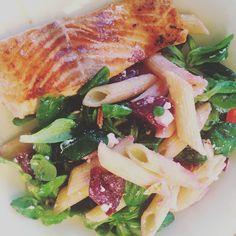 Dinner Lachs  #eatsmarter #healthyfood #healthylifestyle #gesundessen #gesunddurch2016 #eatfresh #salad #fisch #lachs #lowcarb #foodporn #foodblogger #dinner #gymfood #fitfam #fitgirls #instafood #instadaily #happy #instalike by xeni_0601_