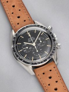 Vintage Watches Omega Speedmaster – The Last Cal. 321 - WahaWatches - This is an article on the Omega Speedmaster How to recognize them, the common pitfalls that you need to avoid, and prices in today's market. Relic Watches, Old Watches, Antique Watches, Vintage Watches, Diesel Watches For Men, Luxury Watches For Men, Omega Speedmaster Moon, Second Hand Watches, Web Design