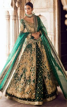 Exclusive Collection of Pakistani Bridal Dresses Online by Pakistani Designers to Buy for Pakistani Brides looking for a Traditional or Contemporary Bridal & Wedding Dresses. Indian Bridal Lehenga, Pakistani Wedding Dresses, Indian Dresses, Bridal Dupatta, Walima Dress, Mehndi Dress, Mehendi, Asian Wedding Dress, Muslim Wedding Dresses
