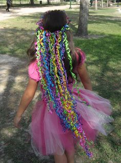 a ribbon crown - I have no need for this, but too cute. Had to pin it for anyone that has little ones!