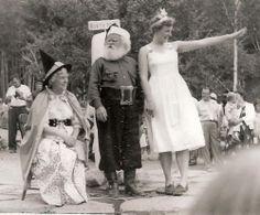 Vintage Snapshot Photo 1950s Santa Claus Village Workshop Christmas Princess | eBay