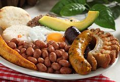 bandeja paisa nothing better than sunday morning colombian breakfast with the family! Colombian Breakfast, Colombian Food, Comida Latina, Private Chef, Time To Eat, Latin Food, Spanish Food, Bon Appetit, Food Styling