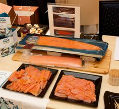 @UKinHongKong: Highland smoked salmon available here in #HongKong #madeinscotland #standrewsday pic.twitter.com/ZfqKf7NS25