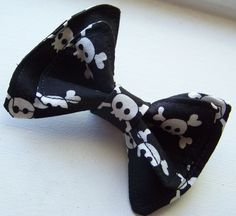Skull Bow Tie for little boys. Cute for everyday wear or as an addition to  a Halloween costume.