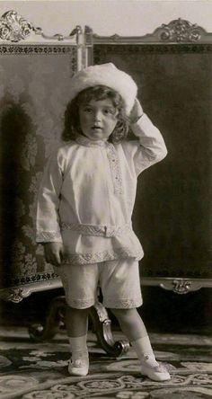 """Tsarevich Alexei Nikolaevich Romanov of Russia in a formal photo in 1907.   """"AL"""""""