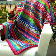 Crochet Blanket Got lots of yarn left over from projects? Consider a crochet sampler blanket. Crochet For Beginners Blanket, Crochet Blanket Patterns, Crochet Afghans, Crochet Stitches, Knitting Patterns, Crochet Home, Crochet Baby, Free Crochet, Crotchet