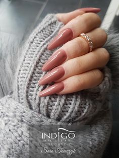Arabella Gel Polish by Indigo Educator Sara Tomczyk, Północna Irlandia #nails #nail #nude #indigo #indigonails #wintertime #cosy #sexynails #hotnail