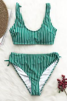 Trending Swimwear 2018 Picture Description Classic stripes meets cozy bowknot in the Stripe Bikini Set! The cutest little bow at back and bottom sides add Bikini Babes, Bikini Set, Thong Bikini, Cute Swimsuits, Cute Bikinis, Tankini, Sexy Women, Crossover, Bathing Suits