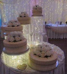 gorgeous wedding cake stand