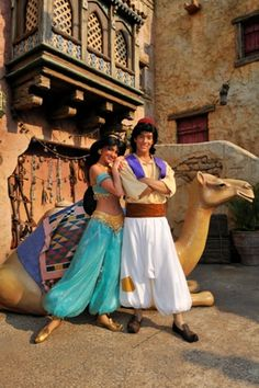face characters at disney world Walt Disney, Disney Love, Disney Magic, Disney Parks, Disney Pixar, Cosplay Disney, Aladdin Cosplay, Disney Marvel, Aladdin Princess Jasmine