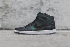 Nike SB x Air Jordan 1 (Closer Look) | KicksOnFire.com