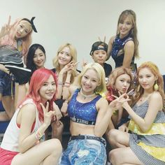 SNSD Party Stage costumes