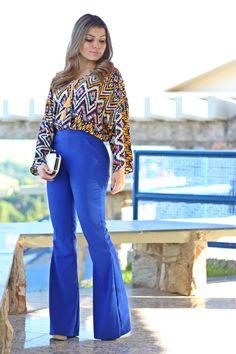 Resultado de imagem para look calça azul royal