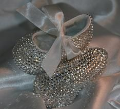 Baby Bling shoes ... If I ever have a daughter these are going to be her first shoes !