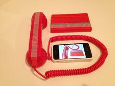 Mis regalos de Navidad. Un manos libres que baja la radiacion producida por el celular hasta un 96 % y mi libreta Molenskine ,  en rojo, mi color preferido y todo decorado con Washi Tape. Eso es Diseño!!! www.imfo@washitape.com.mx