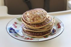 zucchini banana pancakes: 1 egg yolk, Steamed zucchini (1 large, peeled and chopped),1 banana, 3/4 C oats,1/2 C water 1. Mix all of the ingredients in a high-speed blender until smooth and creamy.