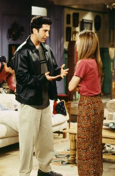We have proof that Rachel Green predicted some of biggest trends. No, seriously. We have proof that Rachel Green predicted some of biggest trends. No, seriously. Rachel Green Outfits, Estilo Rachel Green, Green Skirt Outfits, Rachel Green Style, Rachel Green Friends, Fashion Guys, Friends Fashion, Green Fashion, 90s Fashion