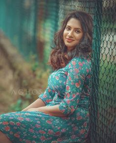 Beautiful Girl Indian, Beautiful Indian Actress, Actress Priya, Preety Girls, Curvy Women Fashion, Saree Styles, India Beauty, Indian Girls, Indian Actresses