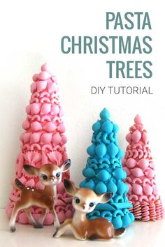 To make this Christmas: DIY Vintage inspired Pasta Christmas Trees. With step by step tutorial. Great for kids too! Diy Christmas Tree, Christmas Crafts For Kids, Crafts For Teens, Holiday Crafts, Christmas Decorations, Christmas Ornament, Pinecone Ornaments, Ornament Crafts, Valentine Decorations