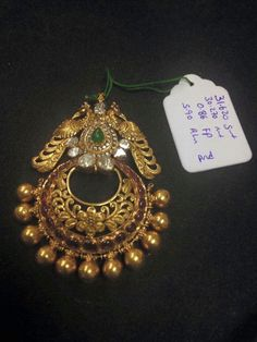 Ugh f u Gold Jewelry Simple, 18k Gold Jewelry, Coral Jewelry, Gold Jewellery Design, Bridal Jewelry, Antique Jewelry, Tikka Jewelry, India Jewelry, Gold Pendent